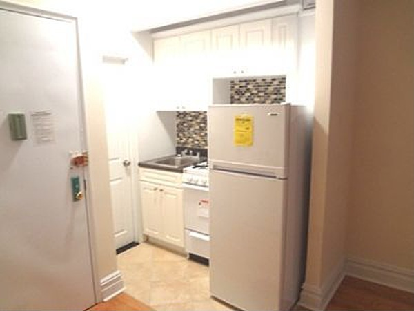 Awesome true 1BR on prime UWS block 85th and West End Avenue!!!