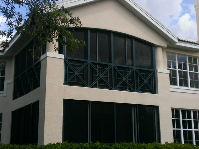 Commercial window repair services in Naples