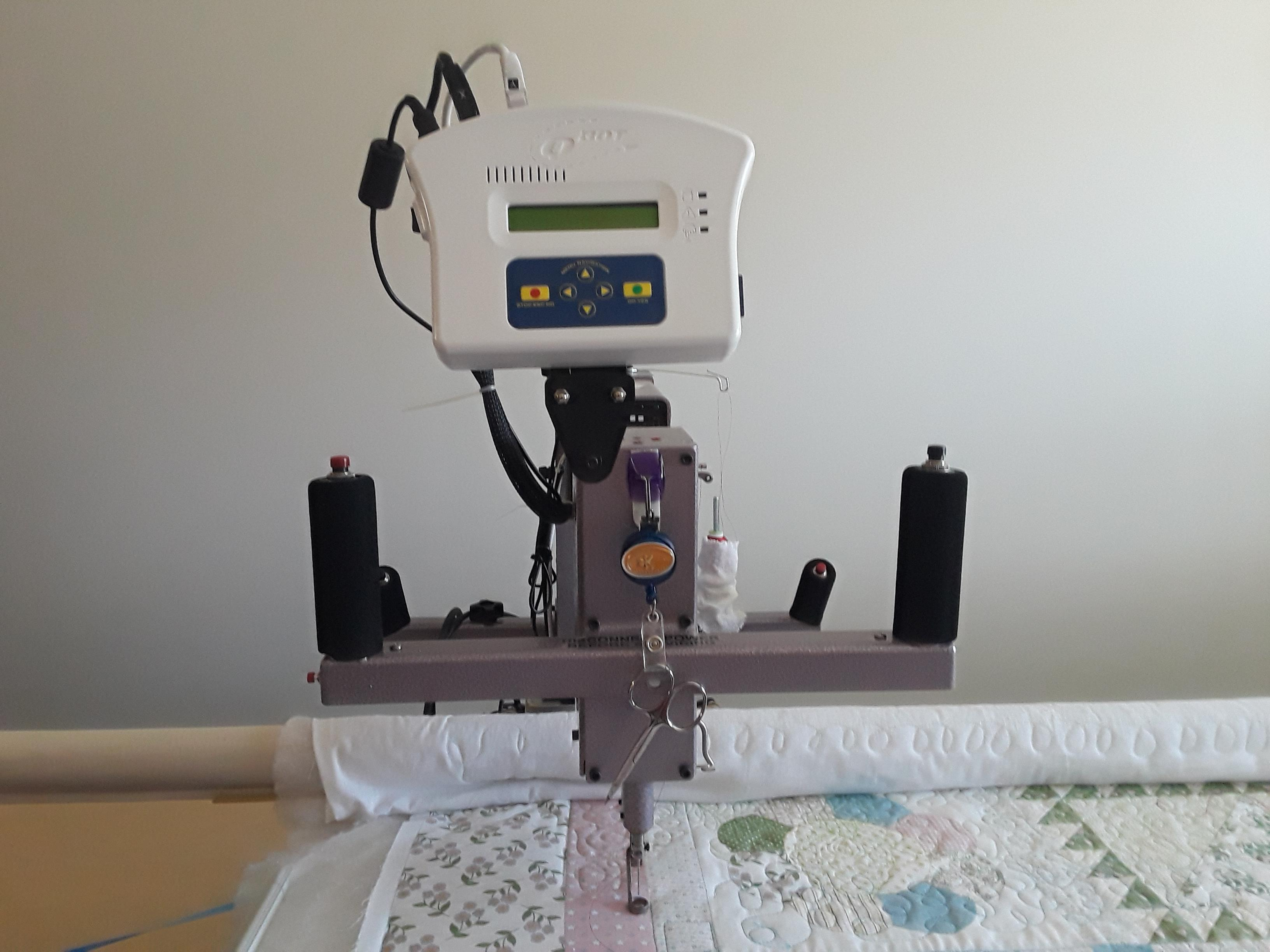 Nolting Fun Quilter, 10 foot table with QBot