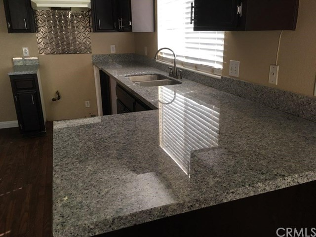 Beautiful Victorville Duplex for $1200 a month...
