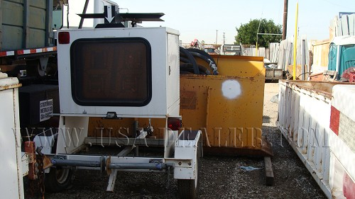 2001 MIGHT MOVER TRAILER