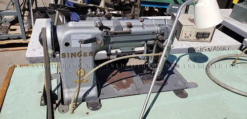 SINGER 300X3101 THREE NEEDLE SEWING MACHINE