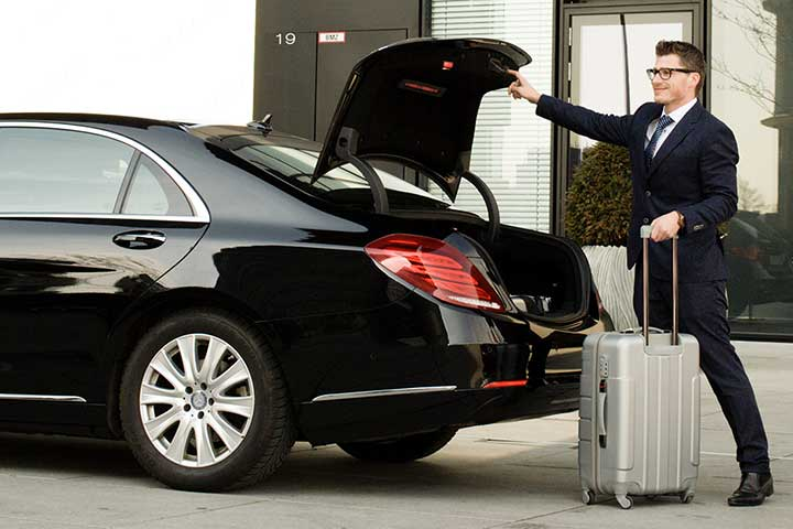 Luxury Airport Ride At Reasonable Prices @7327422252