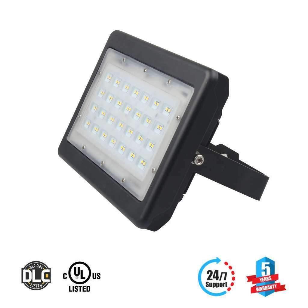 LED Pole Light 150 Watt 5700K Black AM - LEDMyplace  (1)