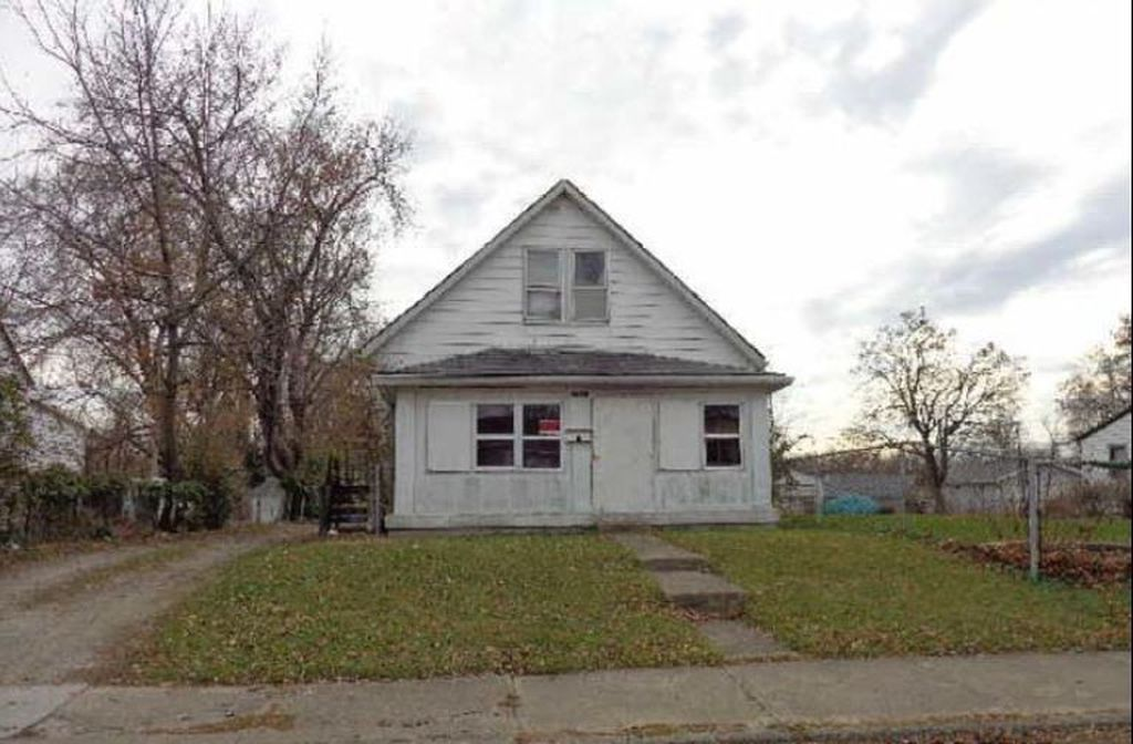 Foreclosure: Single Family Home: $12,900 Good Neighborhood – Great Price!