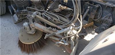 2002 FREIGHTLINER FC70 DIESEL STREET SWEEPER