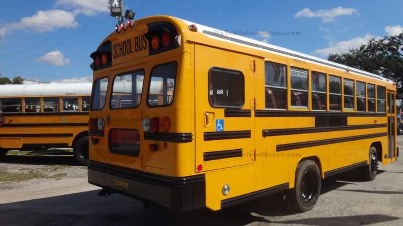 2006 Bluebird 8 Row High Top Wheelchair School Bus