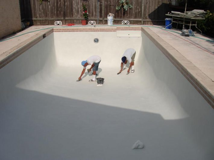 How Do I Get Rid Of Algae Stains In My Pool? |Valley Pool Plaster