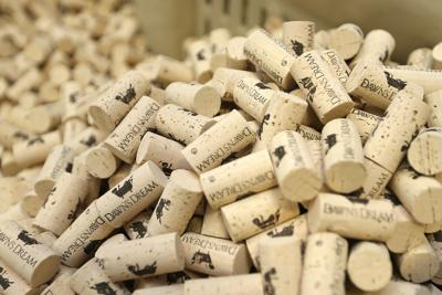 Stop! For the stopper, if you want cork then you come to corkcho once
