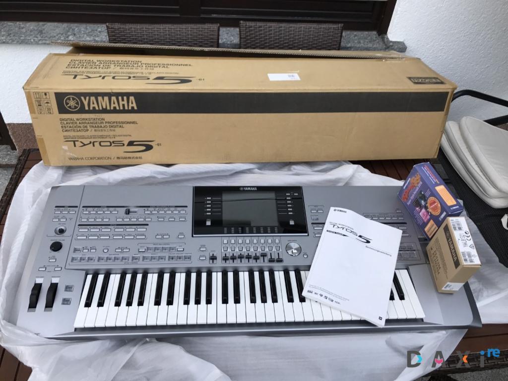 Yamaha Tyros 5 76keys Workstation Keyboard