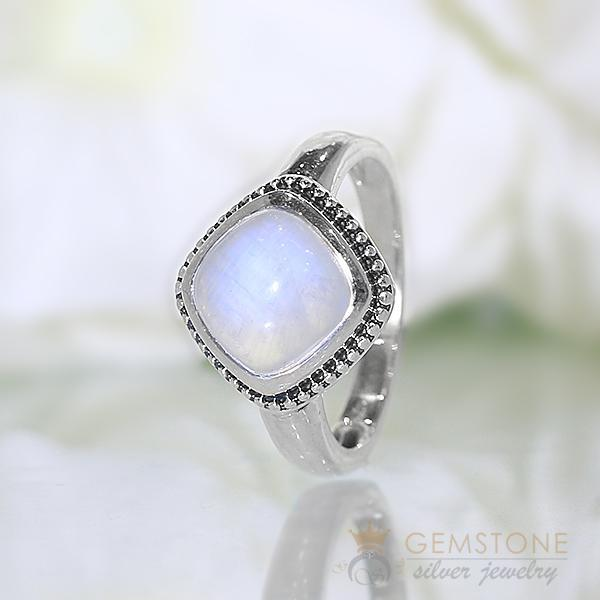 Moonstone Ring  Wishful Healer