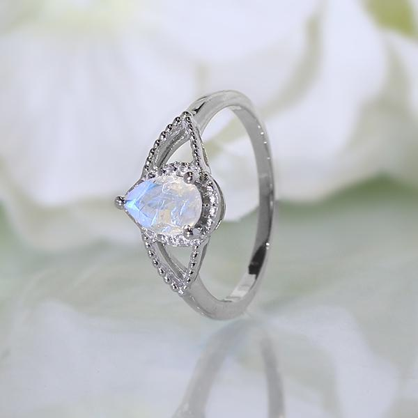 Moonstone Ring Noble Passion