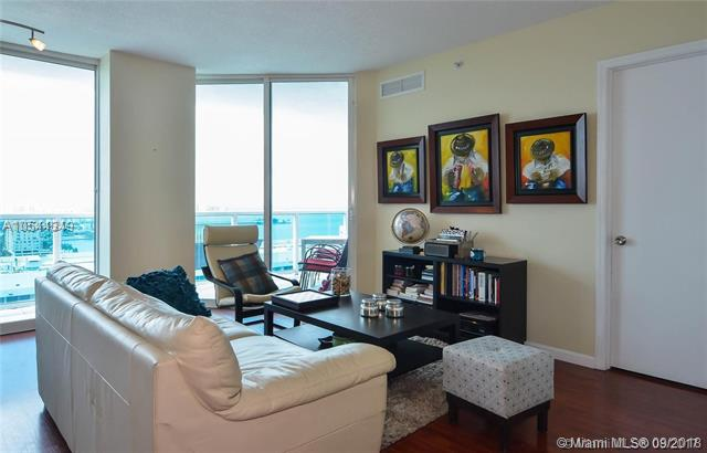 Miami Beach: 2/2 Luxurious apartment (79 th St., 33141)