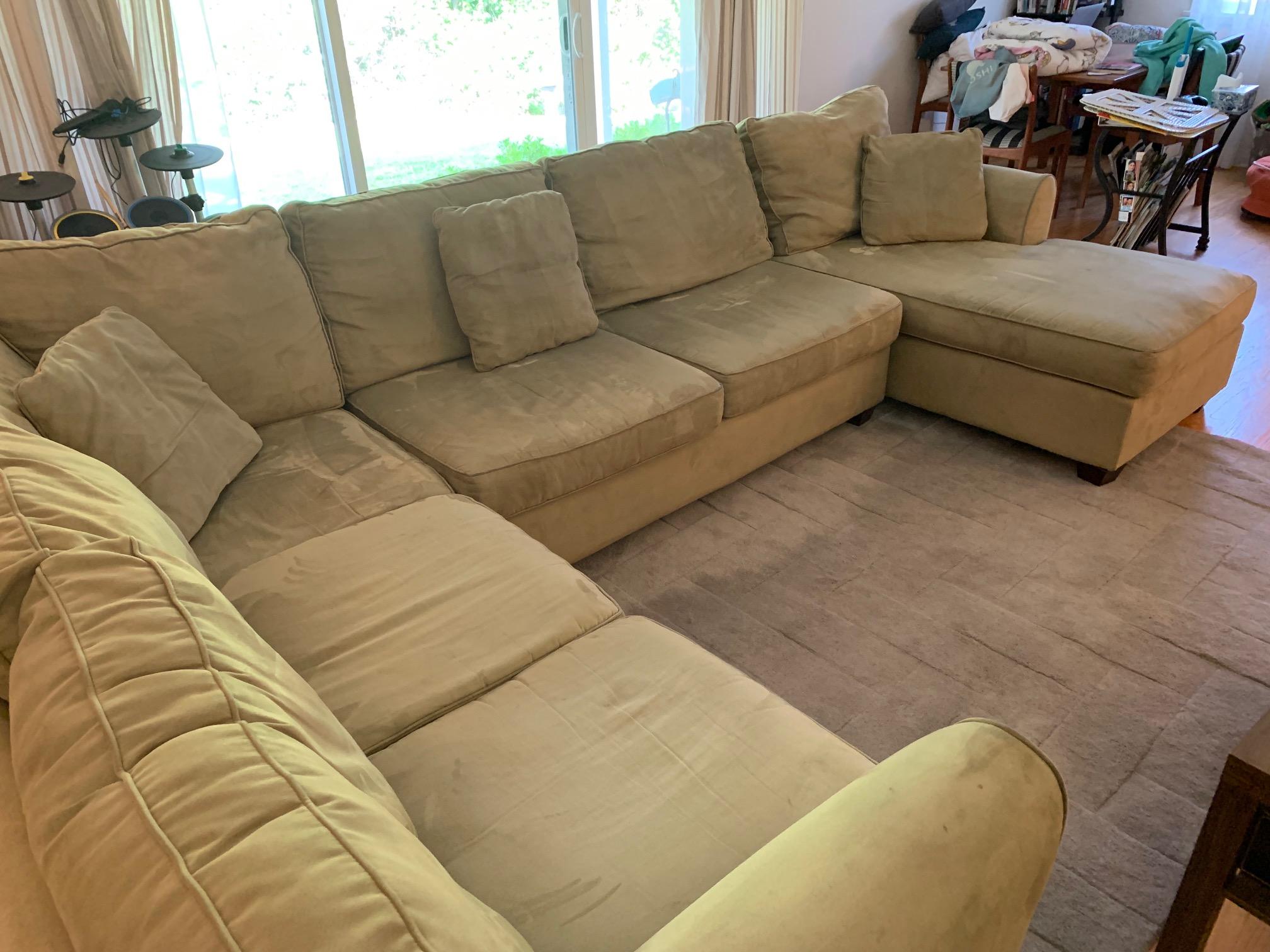 Comfy U-shaped Sofa