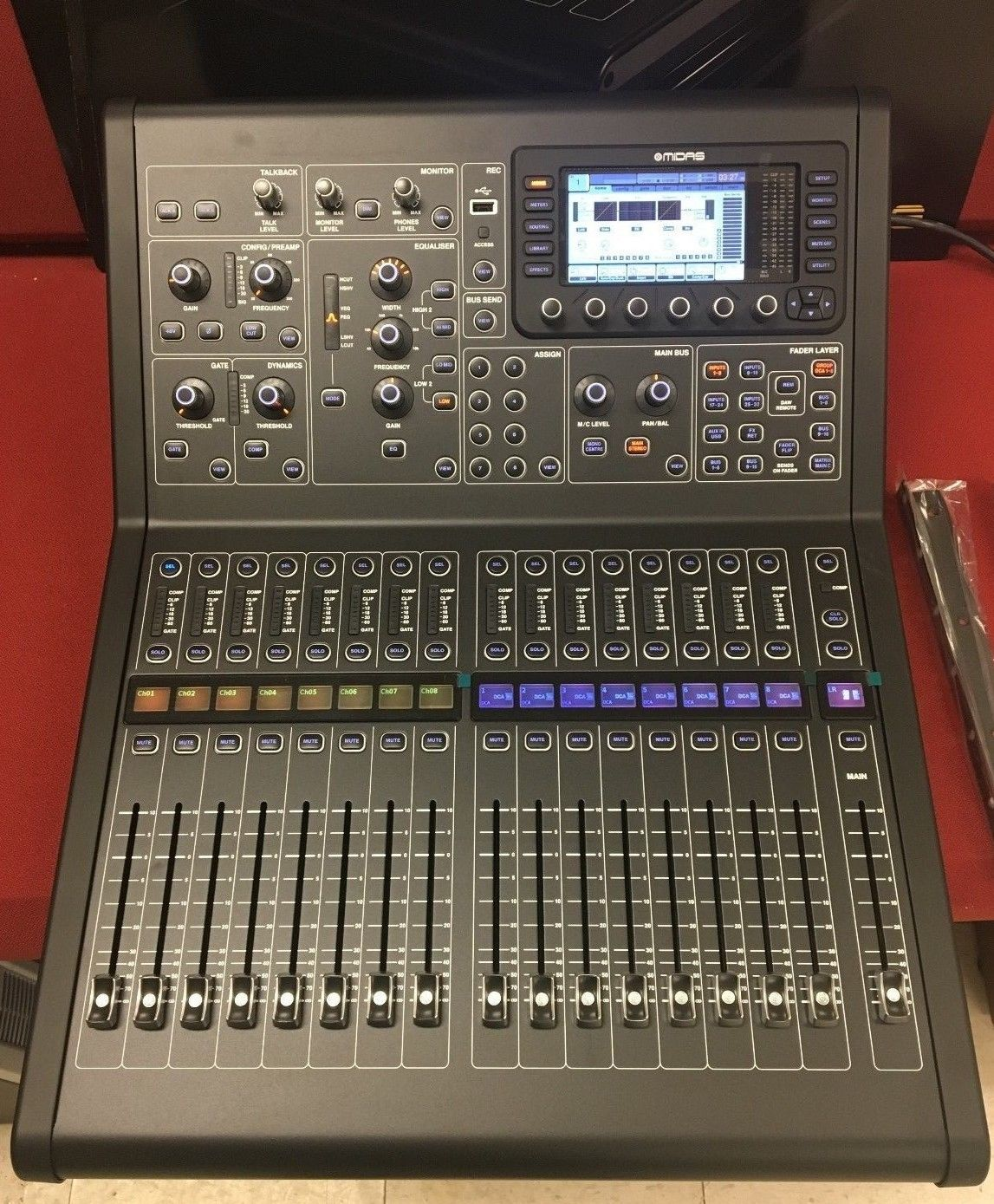 Midas M32R Digital Console with 40 Input Channels and 25 Mix Buses Mint!