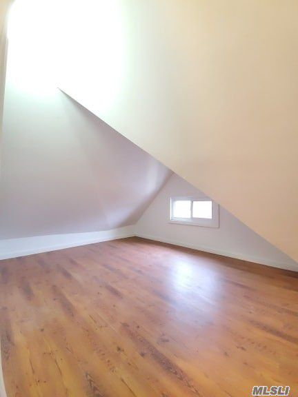 ID#: 1351142 Gorgeous 4 Bedroom Apartment in Whitestone.