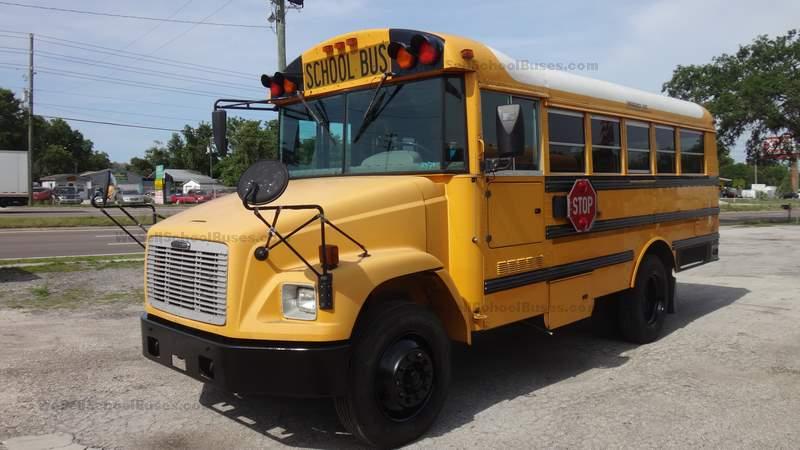 Small 2005 Freightliner NON-CDL Wheelchair School Bus + A/C