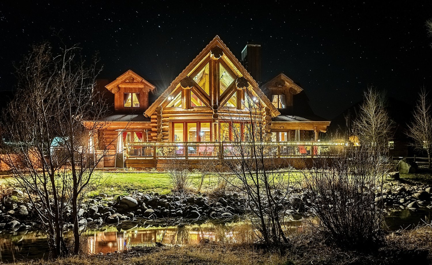 River Crest Cabins -One Exceptional Experience