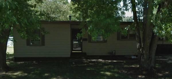 1 bedroom 1 bath fixer upper house in Ames Iowa!