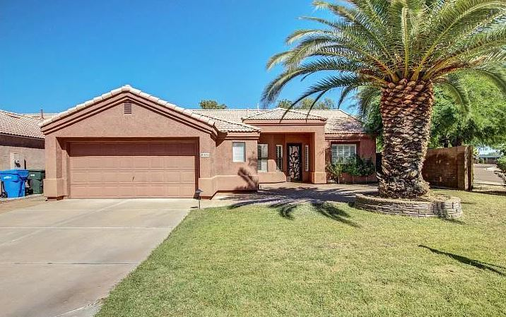 Stunning Scottsdale single level home in prime location!!