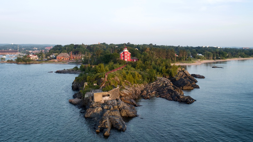 Marquette Harbor Lighthouse featured image.