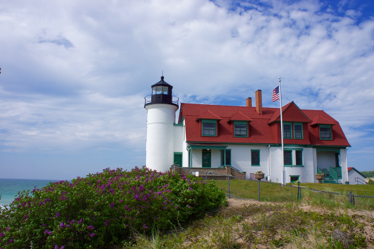 Point Betsie Lighthouse featured image.
