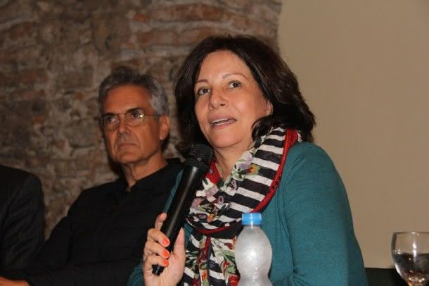 Jurema Machado também fez sua homenagem a Zuzu Angel na abertura da exposição (Foto: Zeca Santos)