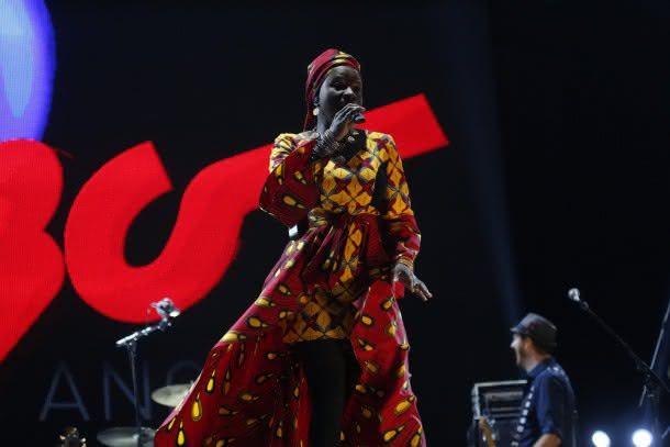 Angelique Kidjo se apresenta no Rock In Rio (foto: AgNews)