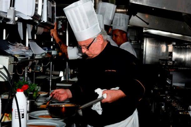 Jean Yves Poirey, chef do Skylab, em ação (Fotos: Divulgação)