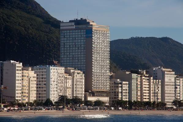 Fachada do Rio Othon Palace, perímetro hoteleiro que passará a hospedar os artistas que se apresentarem no Municipal do Rio (Fotos: Reprodução)