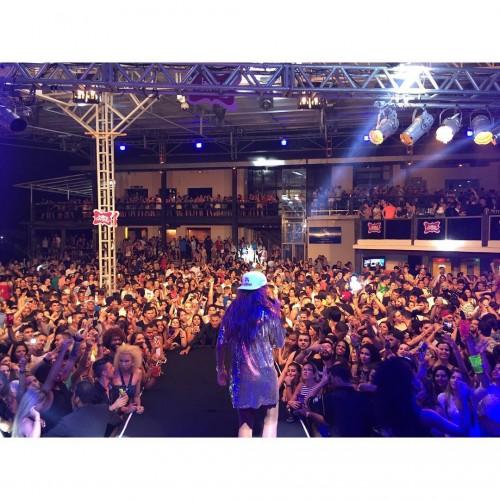 Ludmilla se apresenta no Baile da Favorita, em Vitória (Foto: Reprodução Instagram)