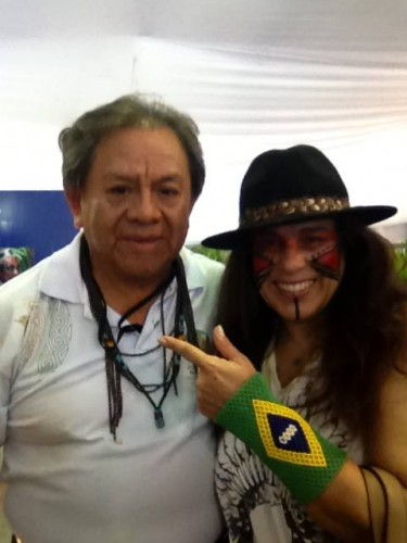 Tereza Xavier com o amigo e presidente do Comitê Intertribal Memória e Ciência Indígena (ITC), Marcos Terena (Foto: Reprodução)
