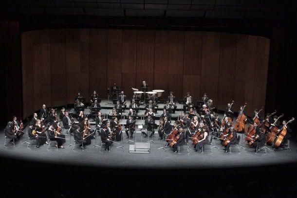 Aprentação da Orquestra Sinfônica de Minas Gerais com pianista convidada Valéria Zanini no concerto da Série Sinfônica em Concerto. O Concerto foi no Grande Teatro do Palácio das Artes com regência do maestro Sérgio Gomes.