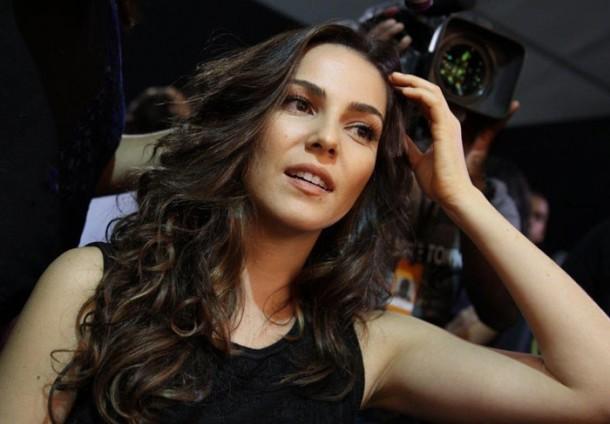 Tainá Müller começou a filmar como a mulher do palhaço Bozo (Foto: Agnews)