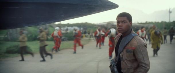 """John Boyega conta como reagiu quando descobriu que faria parte do elenco de """"Star Wars: O despertar da Força"""": """"Fiquei estático. Senti que tinha entrado para a história"""" (Foto: Divulgação)"""