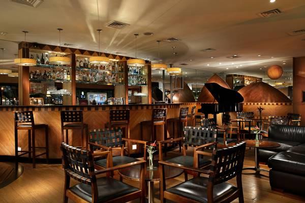 O Lobby Bar, no térreo do Rio Otohon Palace, está sendo palco para o projeto Othon Musical, que levará a nata da música brasileira para o hotel ao longo de todo o mês de janeiro (Foto: Divulgação)