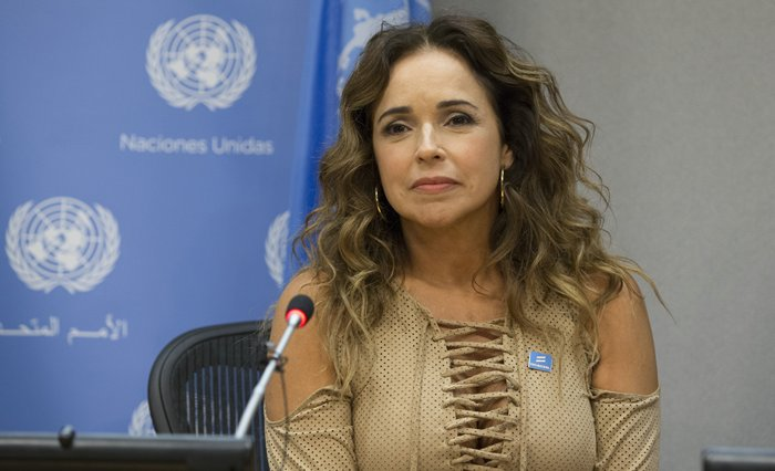 United Nations, New York, USA, November 20 2015 - Daniela Mercury, Brazilian singer, activist and UN Equality Champion, briefs journalists on the protection of the rights of lesbian, gay, bisexual, transgender and intersex (LGBTI) people in Latin America. Joining her in the briefing were her wife, Malu Verosa Mercury; and Charles Radcliffe, Officer-in-Charge of the New York Office of the UN High Commissioner for Human Rights (Photos by: Luiz Rampelotto/EuropaNewswire)