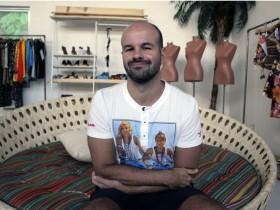 """André é autor do livro """"A moda imita a vida"""" (Foto: Reprodução)"""