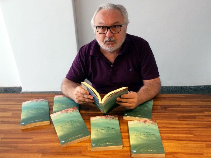 """Jozias Benedicto lançou o livro """"Como Não Aprender A Nadar"""" este mês, no Rio (Foto: Divulgação)"""