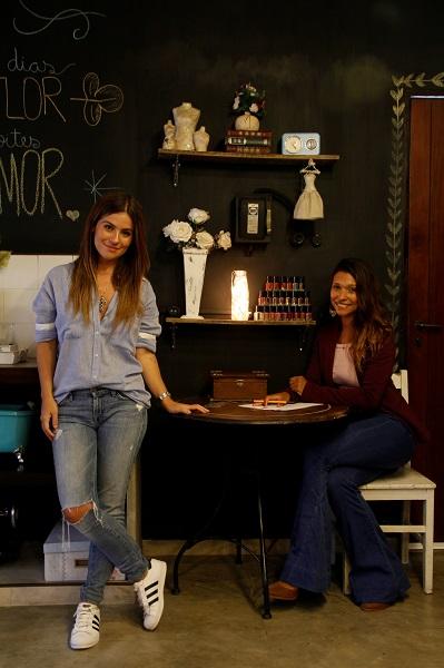 """Luana e Amanda são amigas de adolescência e transformaram o """"armário da melhor amiga"""" em negócio (Foto: Rodrigo Celano)"""