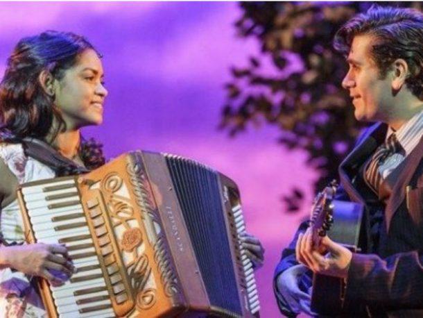 O musical tem Lucy Alves e Gabriel Sater no elenco (Foto: Reprodução)
