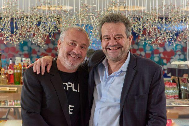 Damien Hirst e o chefe inglês Mark Hix (Foto: Divulgação)
