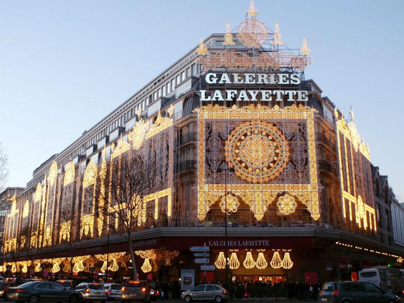 Com mais de 120 anos de história, a Galeries Lafayette ainda apresenta novidades e se renova sempre (Foto: Reprodução)