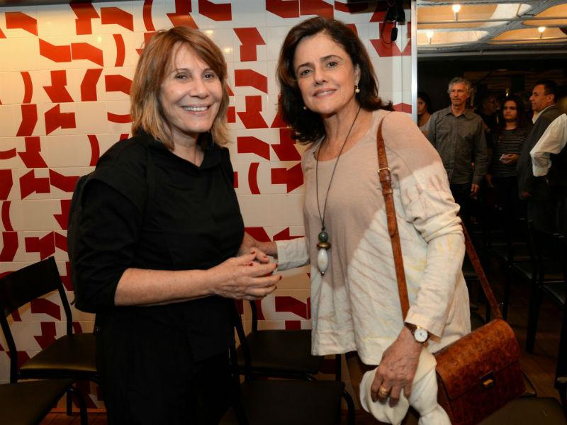 """As atrizes Renata Sorrah e Marieta Severo foram prestigiar o lançamento do DVD """"Terceiro Sinal"""" (Foto: Leo Marinho/Brazil News)"""
