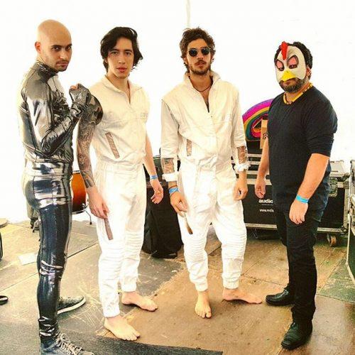 Figurino de palco da banda Aymoréco (Foto: Divulgação)