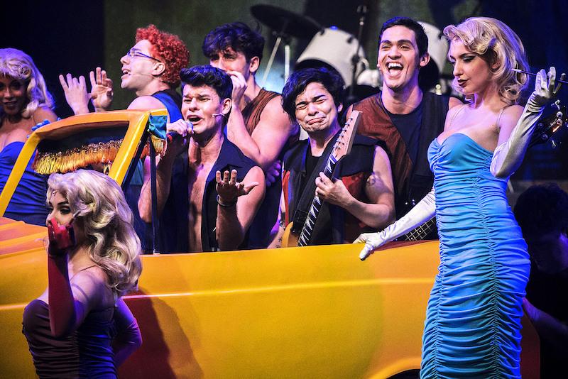 Setor-VIP-Mamonas-Assassinas-sao-homenageados-em-O-Musical-Mamonas-no-Teatro-Raul-Cortez-em-Sao-Paulo-1