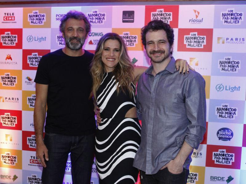 Domingos Montagner interpreta o amante Corvo, Ingrid Guimarães protagoniza Nena e Caco Ciocler o indeciso Chico (Foto: Marcelo Sá Barretto/AgNews)