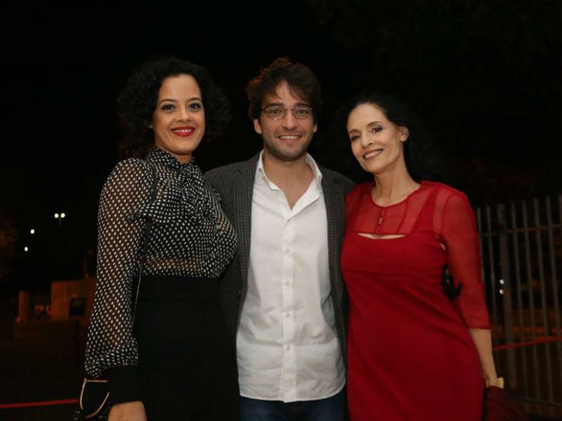 Maeve Jinkins, Humberto Carrão e Sonia Braga na inauguração do Reserva Cultural, em Niterói (Foto: Reprodução)
