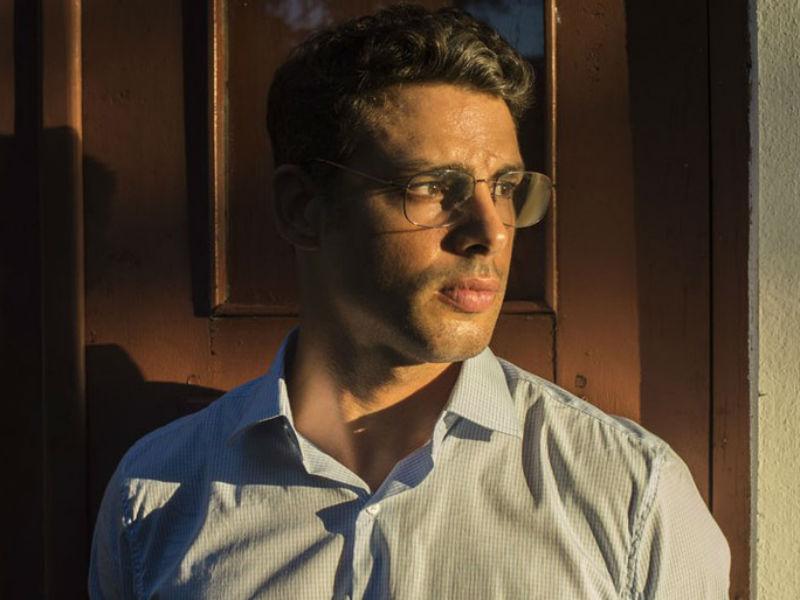 """Cauã Reymond como Maurício, em """"Justiça"""" (Foto: Divulgação)"""