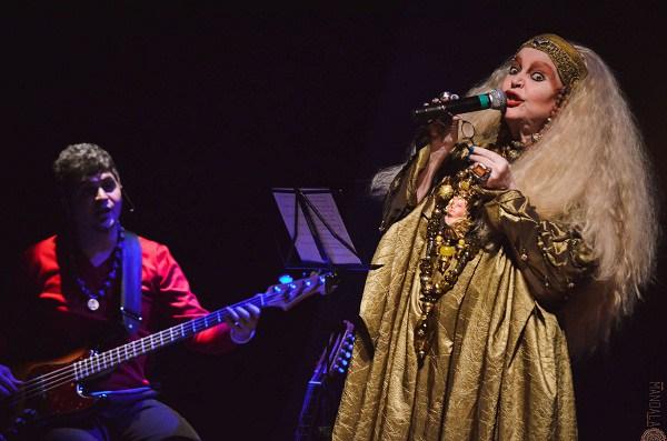 Elke, a eterna performática, que criou um estilo único nesse país. E eternizado